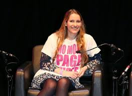Laura Bates of Everyday Sexism, supporting Lucy-Anne Holmes's No More Page 3 campaign (Creative Commons License)